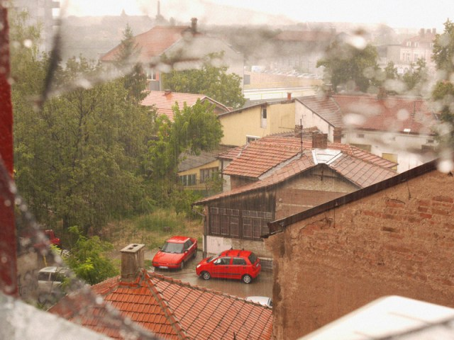 Hitchhiking through Kosovo & Macedonia to industrial and grimy Nis in Serbia