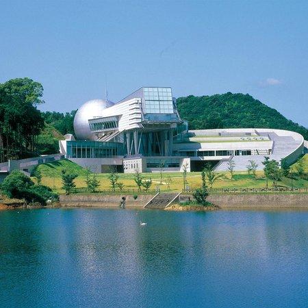 武雄市宇宙科学館ゆめぎんがの魅力的なプラネタリウムと展示物。割引クーポン、福岡と比較も。