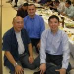 〔左起〕George師範,Con師範和梁伯偉師父攝於歡迎晚宴上。