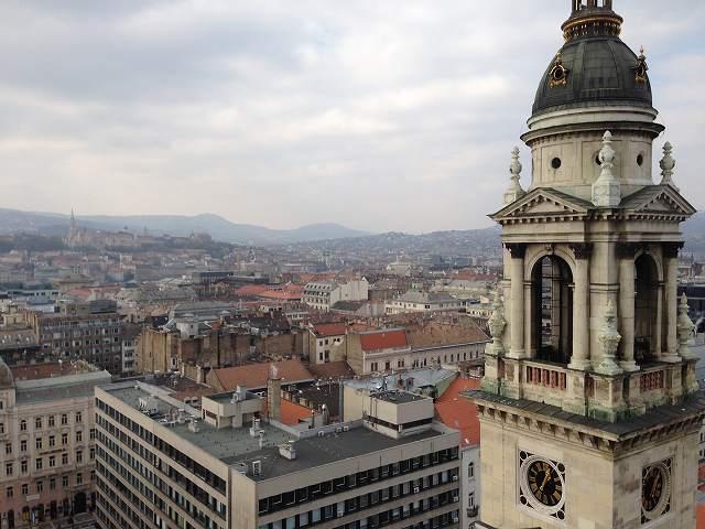 ブダペスト観光で聖イシュトバーン大聖堂へ行く展望台にも登りました②