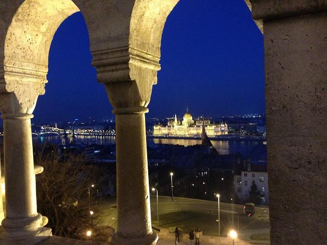 ブダペスト観光・夜景・ドナウ川からみる夜景⑤