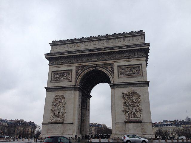 パリ観光の初日は雨なので歩いて散歩②