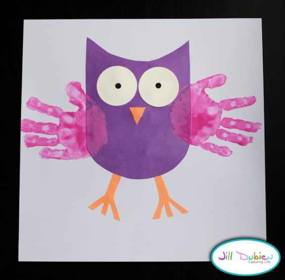 Jill at meet the dubiens made this adorable handprint owl with her