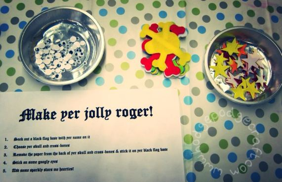 DIY jolly roger mini pirate flag activity