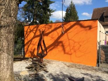 schöner Fassadenanstrich in Orange