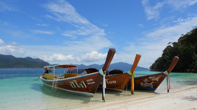 Thailand-boats-854448_1920