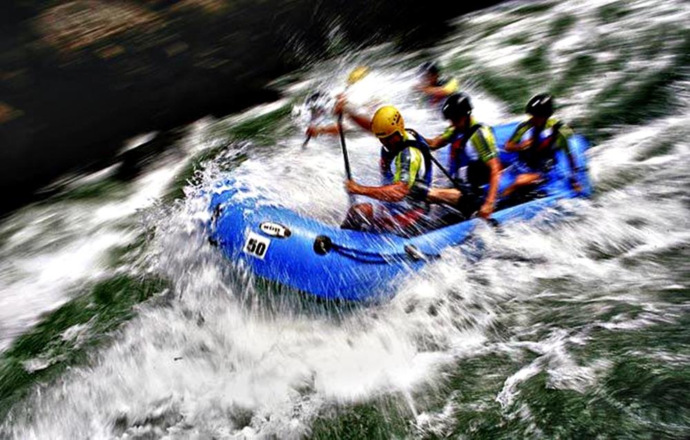 Rafting_Bosnia-and-Herzegovina_2012_1