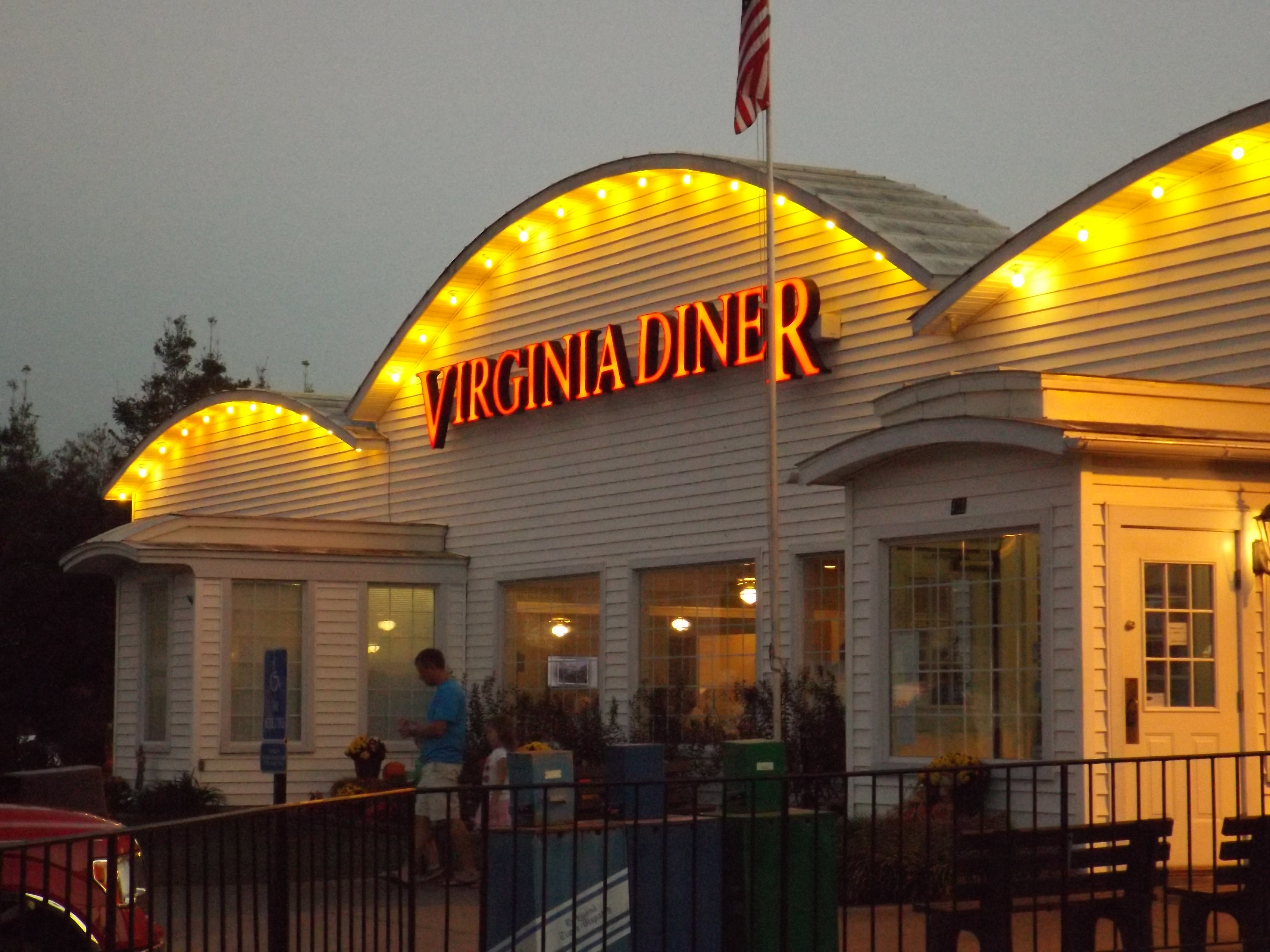 What Are Common Lighting Issues with Electric Signs Holiday Signs