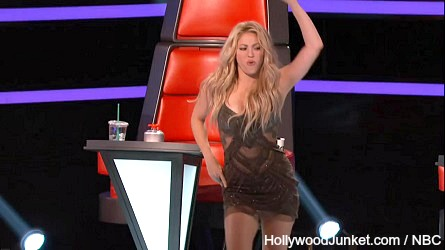 THE VOICE season 6 Shakira dances