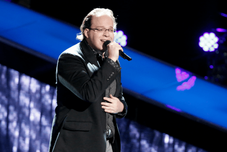 The Voice 13 Blind Auditions, Lucas Holliday