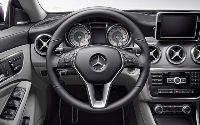 2014-CLA-250-coupe-interior-3