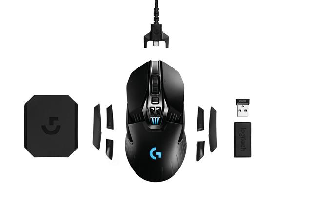 HOMBRE Magazine Father's Day Gift Guide - Logitech-G900-Chaos-Spectrum_Family (Copy)