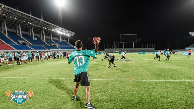 Dan Marino at Legends Game in Bahamas (Copy)