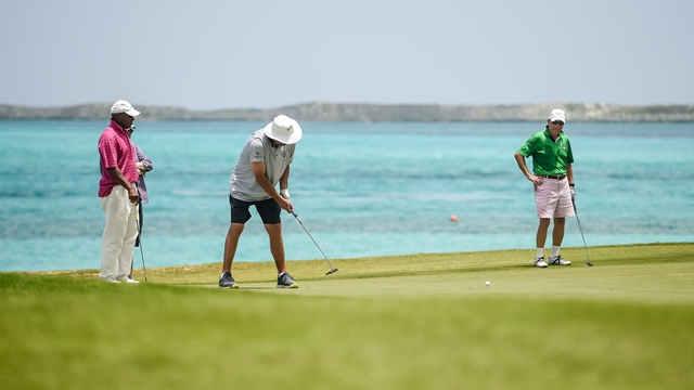 Dan Marino at the Bahamas Weekend Golf Tournament (Copy)
