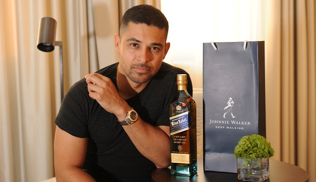 (Photo 1) Wilmer Valderrama gives his father a bottle of Johnnie Walker Blue Label with a special message on Father's Day