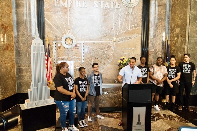 Romeo Santos at Empire State Building for Note for Notes - HOMBRE Magazine 2