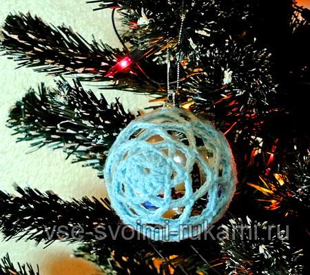 Вязаный шар на елку