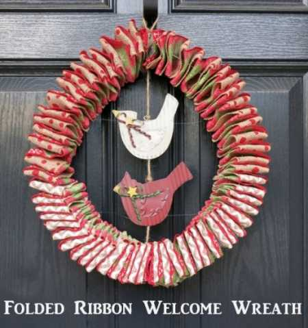 folded-ribbon-welcome-wreath