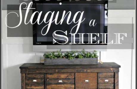 The RIGHT Way to Decorate a Shelf