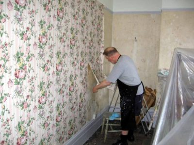 The Best Way To Remove Old Wallpaper | The Homebuilding ...