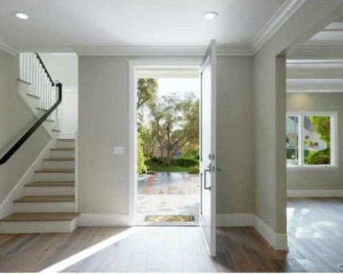 Judd-Apatows-home-foyer-3d25d8-589x394