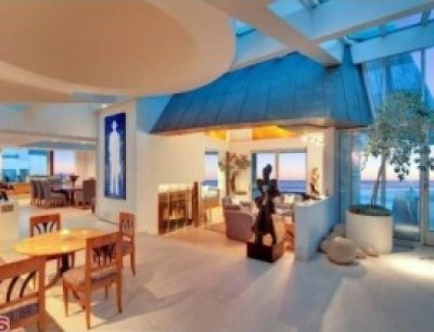 Frank-Gehry-Malibu-living-room-883096-e1384296200176