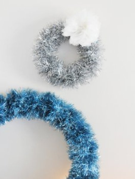 296x349xdiy-tinsel-wreath-2.jpg.pagespeed.ic.Vpp-wAGj-_