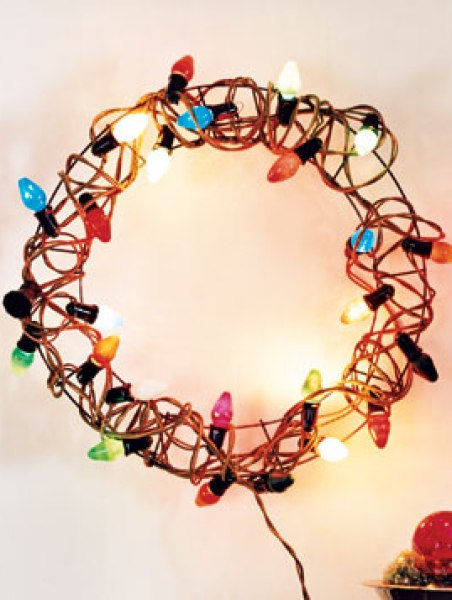 300x357xHoliday-Lights-Wreath.jpg.pagespeed.ic.vhT7_lAqBt