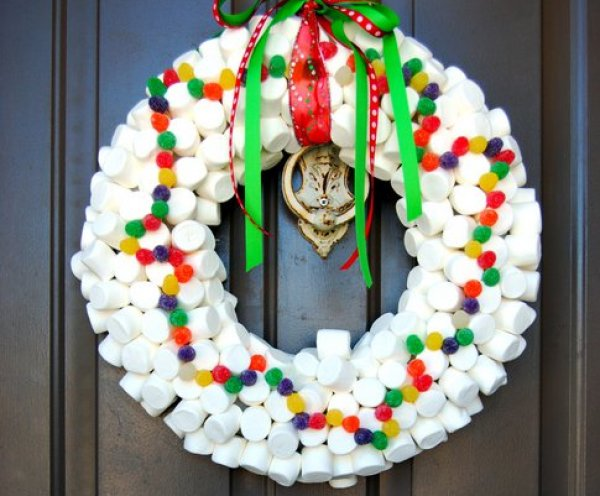 349x345xMarshmellow-Wreath.png.pagespeed.ic.1uykVfHGsJ