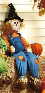 Celebrating Fall Harvest With Beautiful Scarecrows