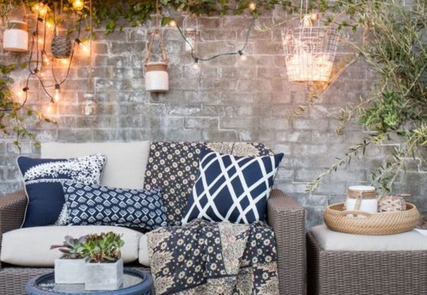 Catchy Different Pillows Styles Ways To Spruce Up Your Backyard Spring Home Dynamics Backyard Living Source Boise Backyard Living Source Boise Id Upgrade Your Seating outdoor Backyard Living Source