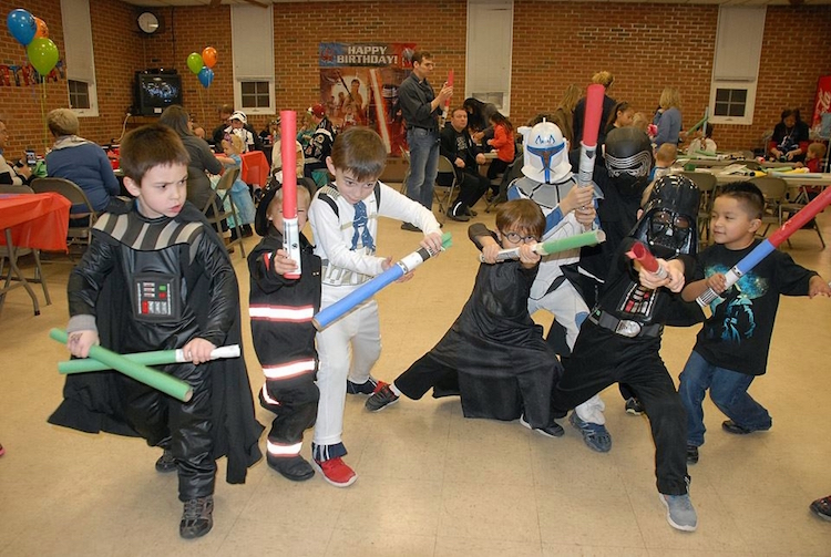 Homemade Parties_DIY Star Wars Party_Jace00