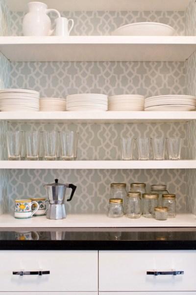 vintage-kitchen-cabinet-wallpaper
