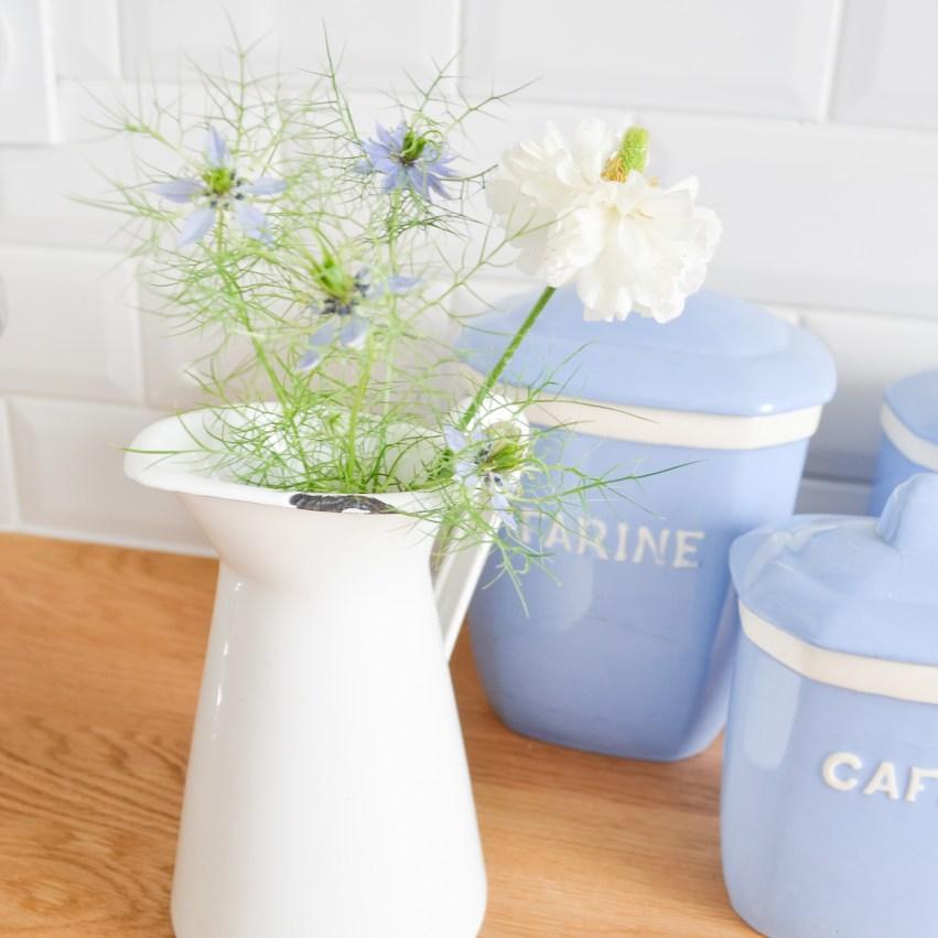 cuisine ikea fleurs de bourrache carrelage metro plan de travail chene boite a epices ceramique