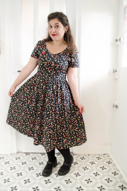 robe-lindy-bop-dolce-ditsy-floral-swing-dress