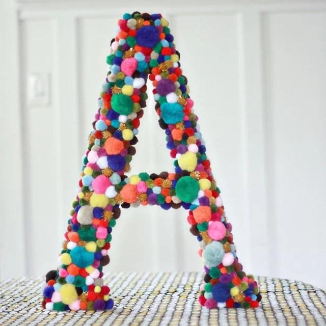 Cute colorful DIY Pom-Pom Crafts and Ideas-homesthetics (10)