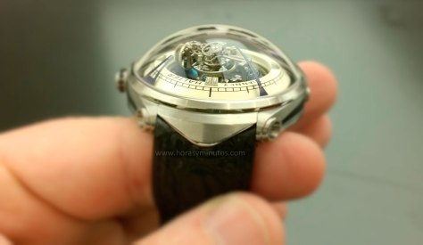 Deep Space Tourbillon - Vianney Halter - manecillas
