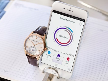 Frederique Constant Horological Smartwatch con iphone