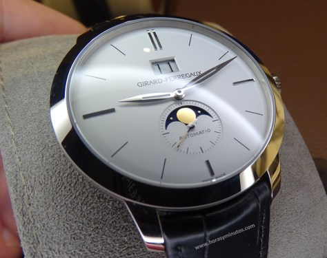 Girard-Perregaux 1966 Large Date and Moon Phases oro blanco - perfil