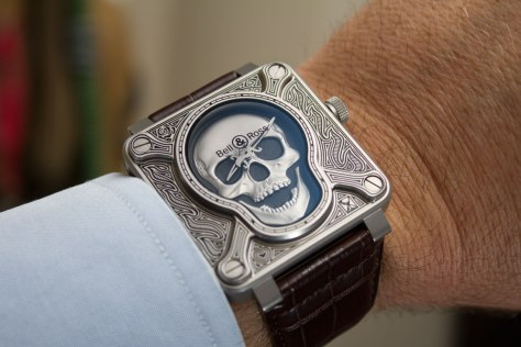 Bell-&-Ross-BR-01-Burning-Skull-10-HorasyMinutos