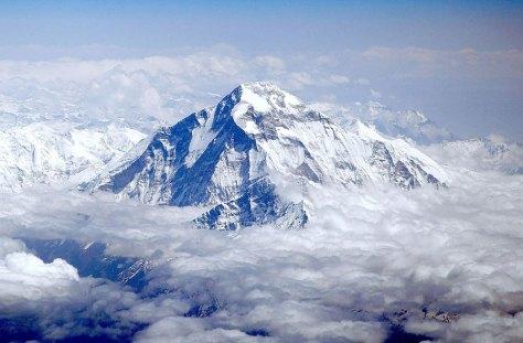 El Dhaulagiri visto desde una avioneta. Foto de Sergey Ashmarin
