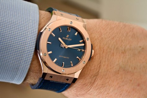 hublot-classic-fusion-blue-king-gold-11-horasyminutos