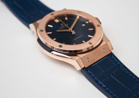 hublot-classic-fusion-blue-king-gold-5-horasyminutos