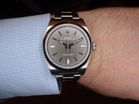 Rolex-Oyster-Perpetual-39-mm-esfera-gris-2-Horasyminutos