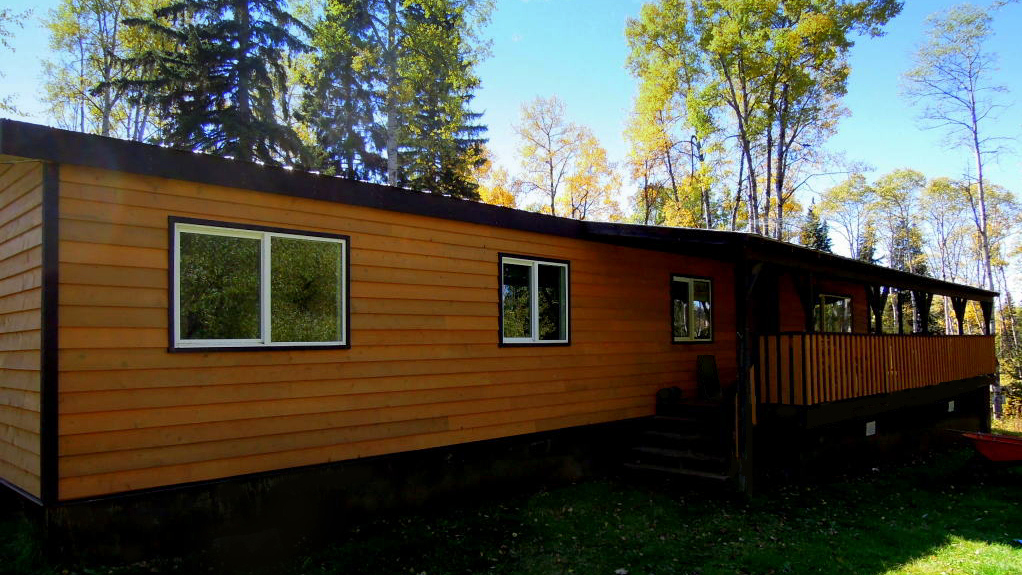 Delightful 3 bedroom home on acres in horsefly lake for Kitchen cabinets quesnel bc