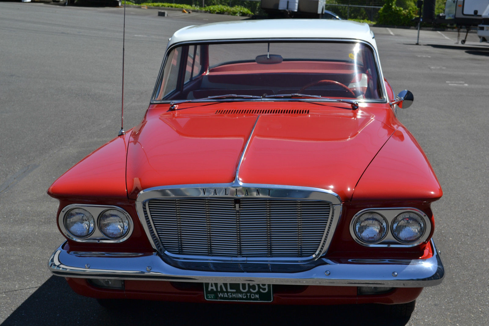 Stunning 1962 Plymouth Valiant Brings Back Memories