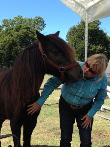 Laurie sharing breath with Starwyn. October 2013 Spirit Horse Ranch Liberty Foundations Clinic