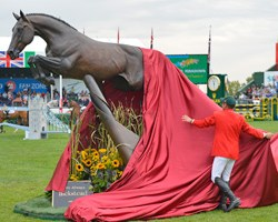 Hickstead statue unveiled at Spruce Meadows