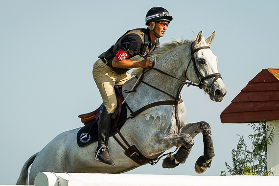 Andrew Nicholson and Avebury on their way to winning at Barbury Castle.