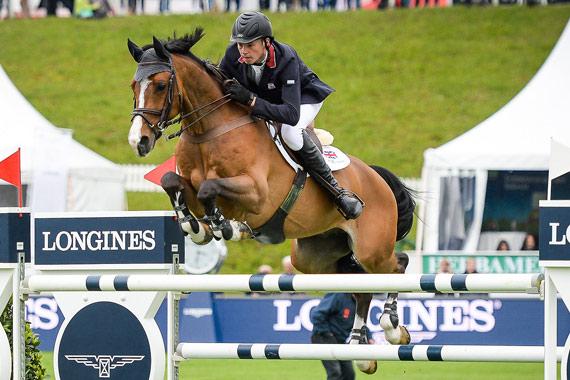 Spencer Roe and Wonder Why for the winning British Team at St Gallen.